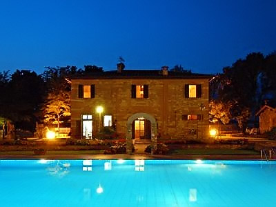 Farmhouse Gli Olmi with swimming pool